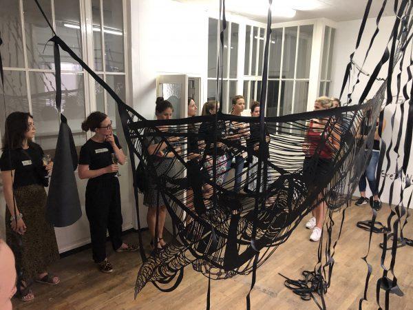 RÜCKBLICK: Frauen im Kunstbetrieb – Strategie, Inszenierung & Haltung